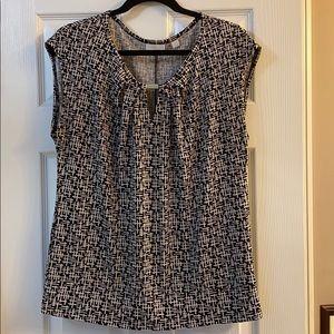 New York & Co sleeveless black & white blouse